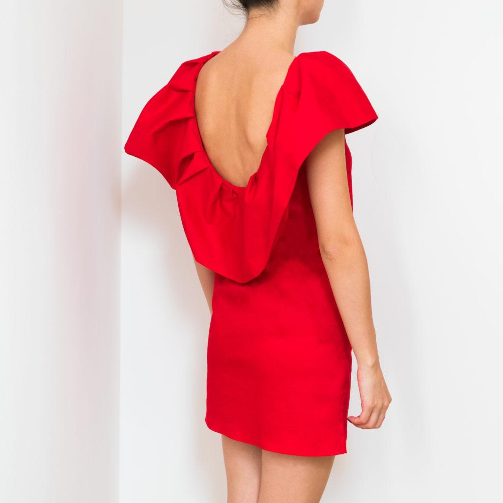 rochie-rosie-cu-spatele-decupat