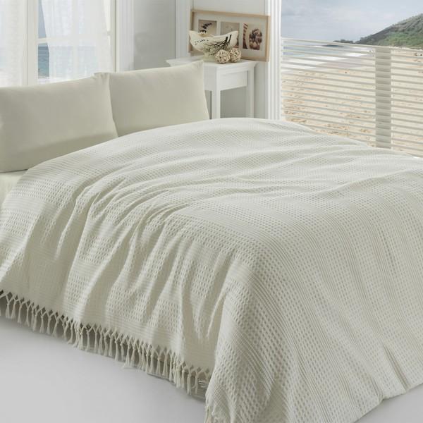 Paturi si cuverturi de pat albe