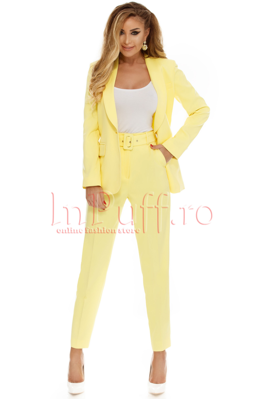 Costume dama! Modele de costume si compleuri dama cu fusta si pantalon online!